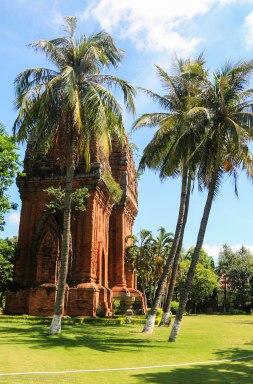 Dap Thoi Cham Tower