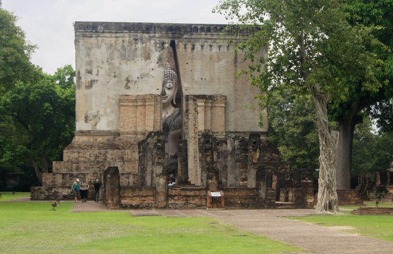 The large Buddha statue
