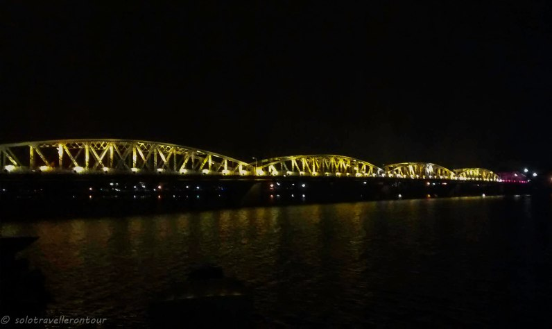 Truong Tien Bridge by night
