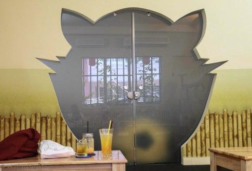 The whole café had a cat theme