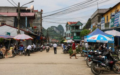 Main road of Tra Linh