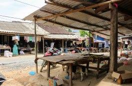 The stalls along QL4C in Khuoi Vinh