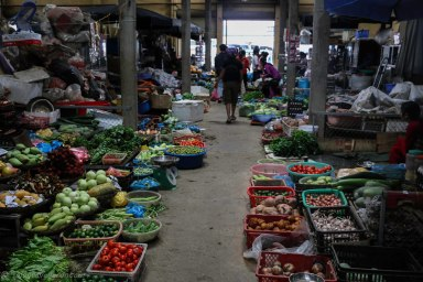 The indoor market during the week