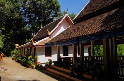 Side buildings of Wat Long Khoun