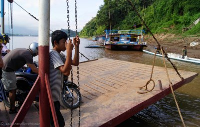 The ferry arrives at Xieng Men Village