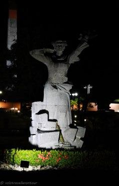 Hang Duong Statue