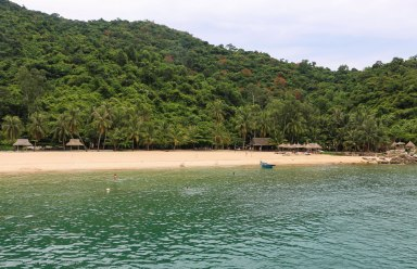 The beautiful Bai Chong beach