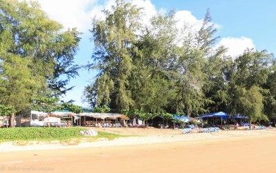 Restaurants at Dam Trau Beach