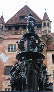 Fountain near Laurnzkirche