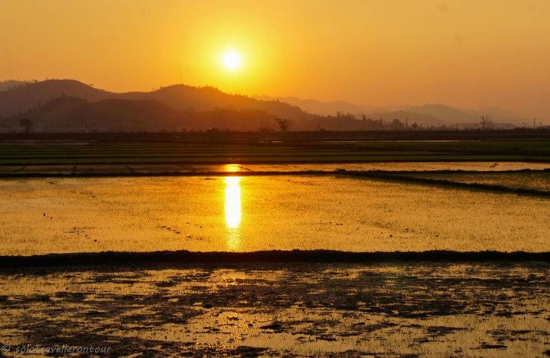 Sun set near Lak Lake